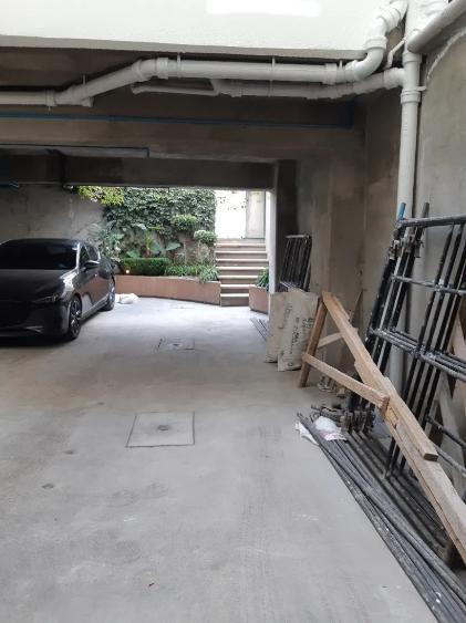 14 de 14: Estacionamiento