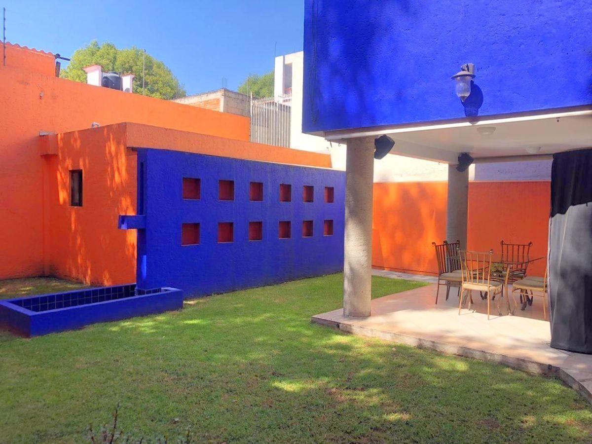 5 de 16: Jardín privado con terraza