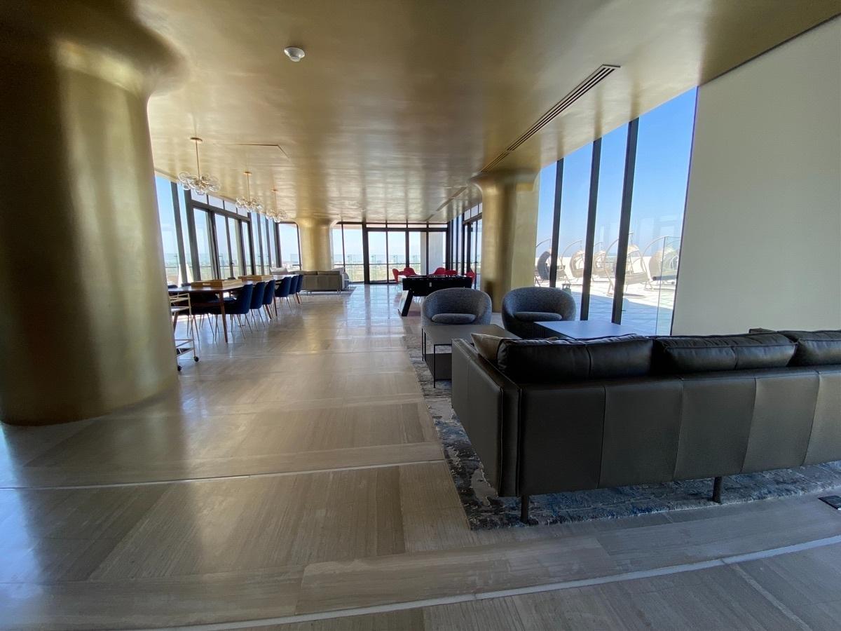 23 de 25: Business lounge