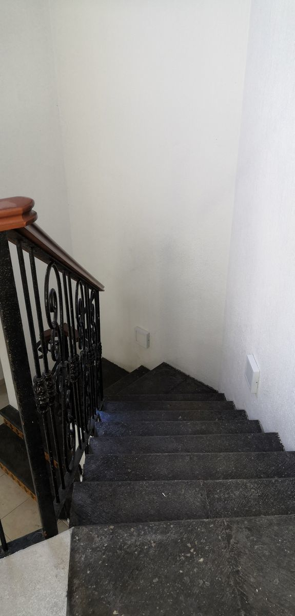 17 de 33: Vista de Escaleras