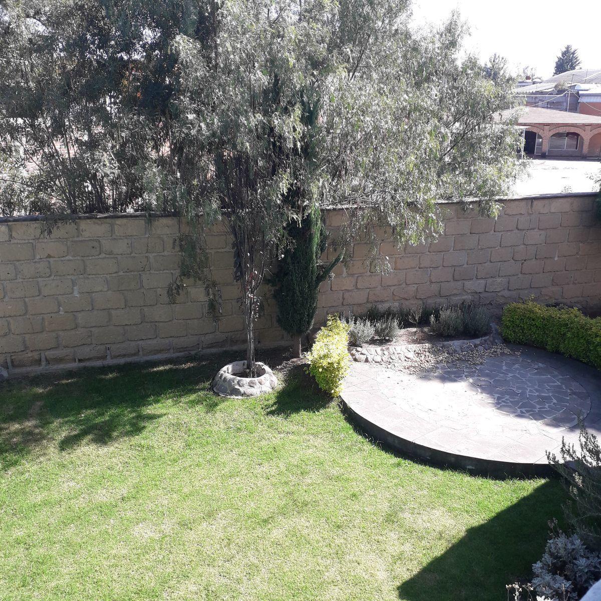 30 de 33: Jardín lateral visto desde Rec 3
