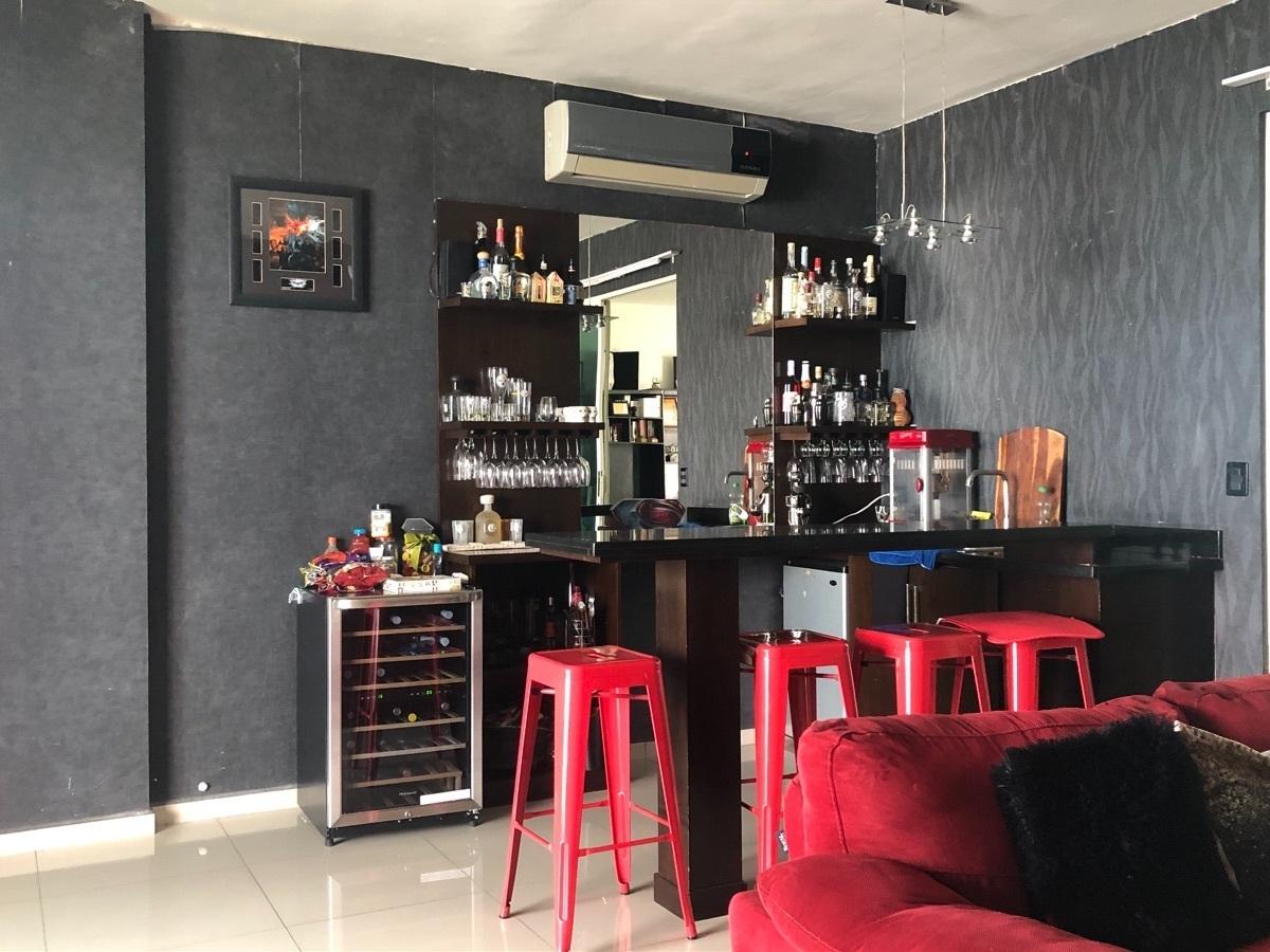 14 de 17: Área social con bar