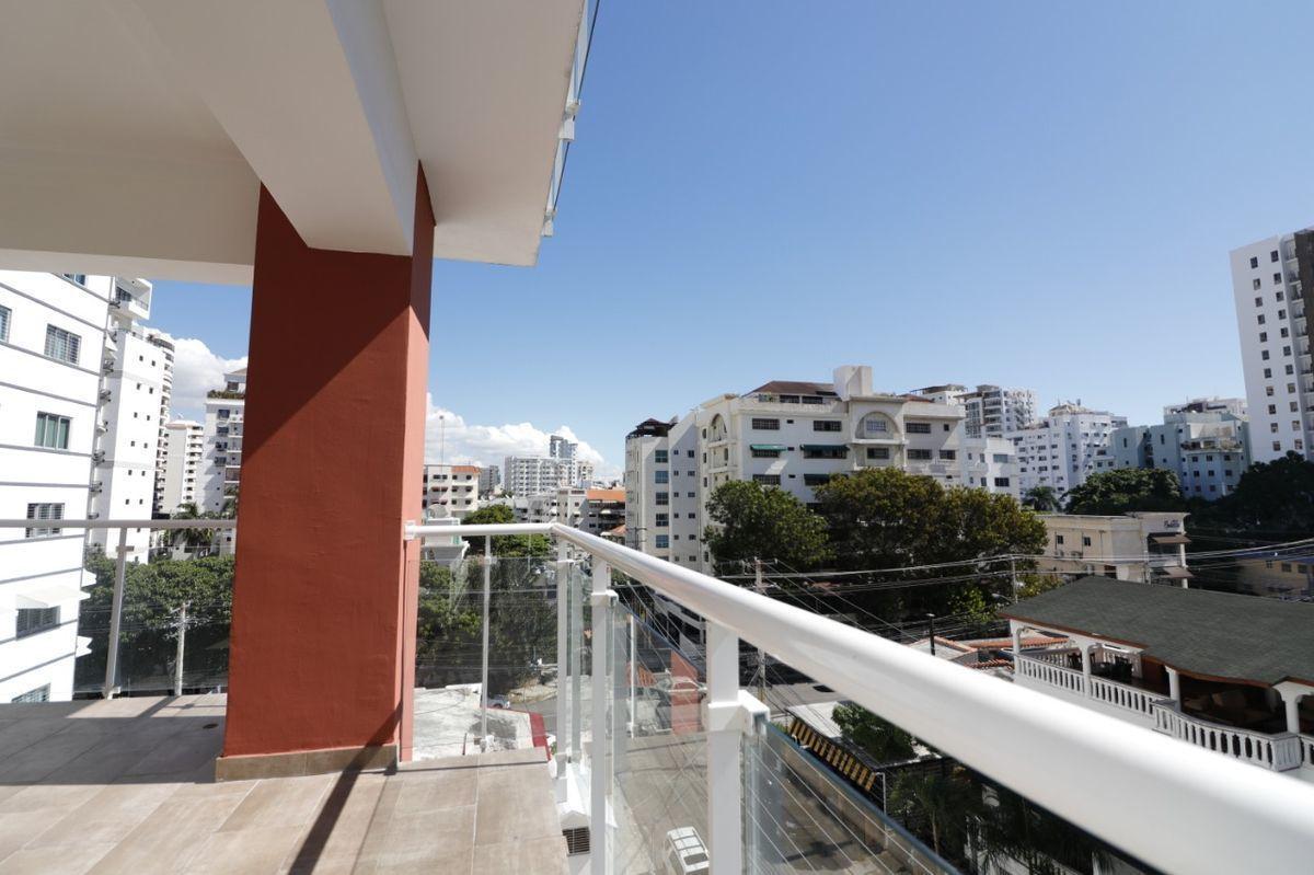 17 de 22: Balcón