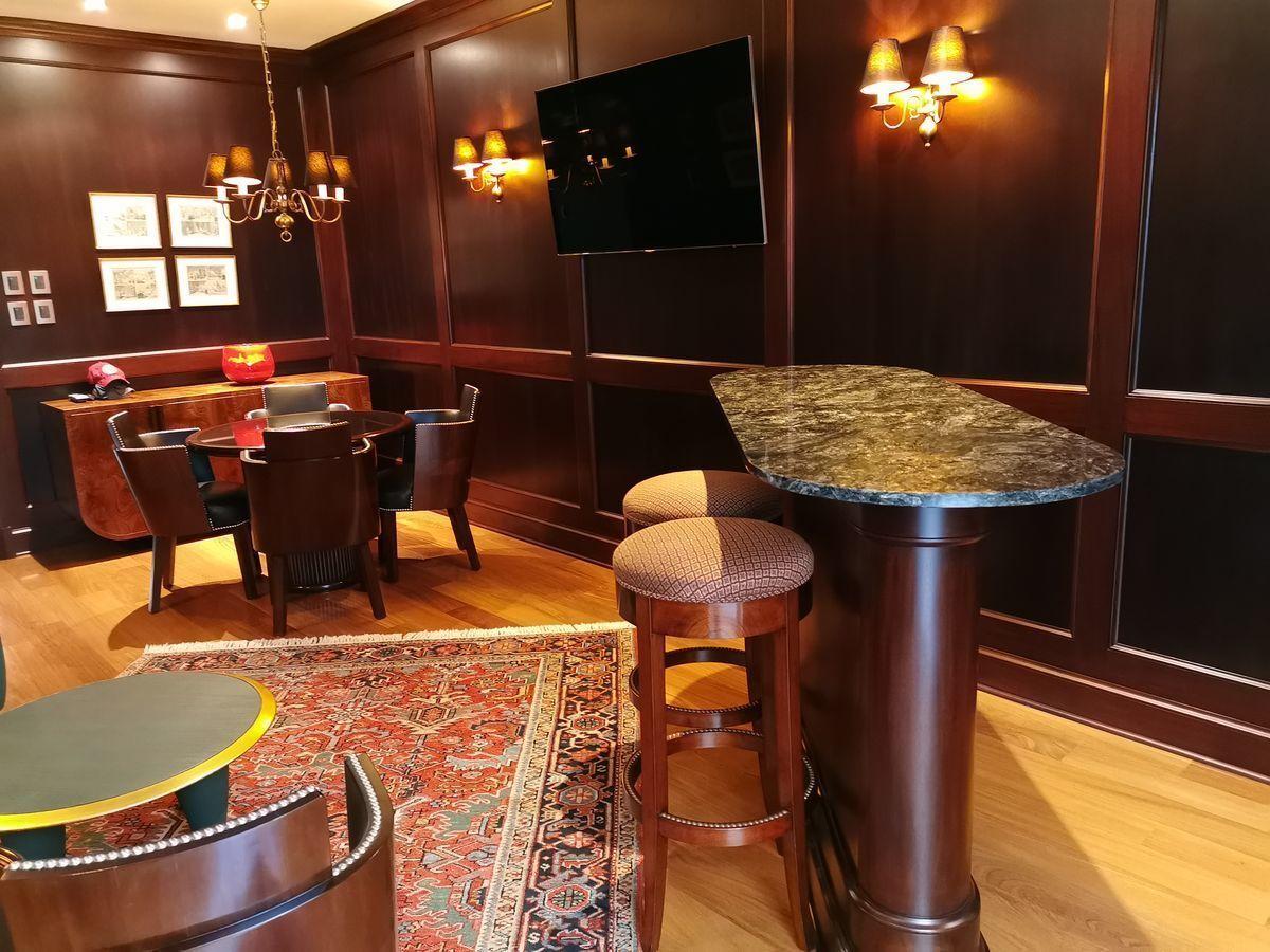 6 de 41: Elegante Bar estilo inglés con finísimos acabados