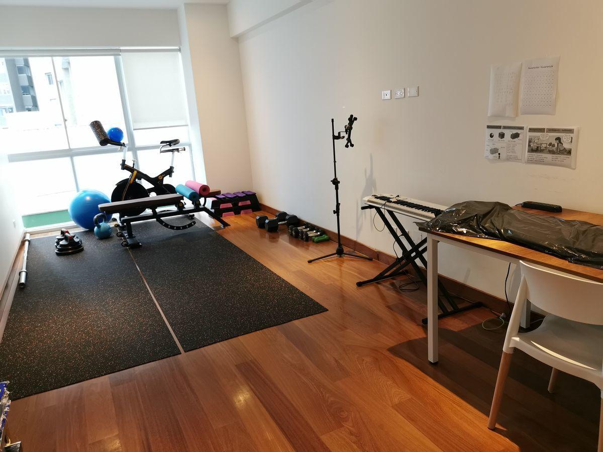 31 de 41: Sala de estar-gimnasio