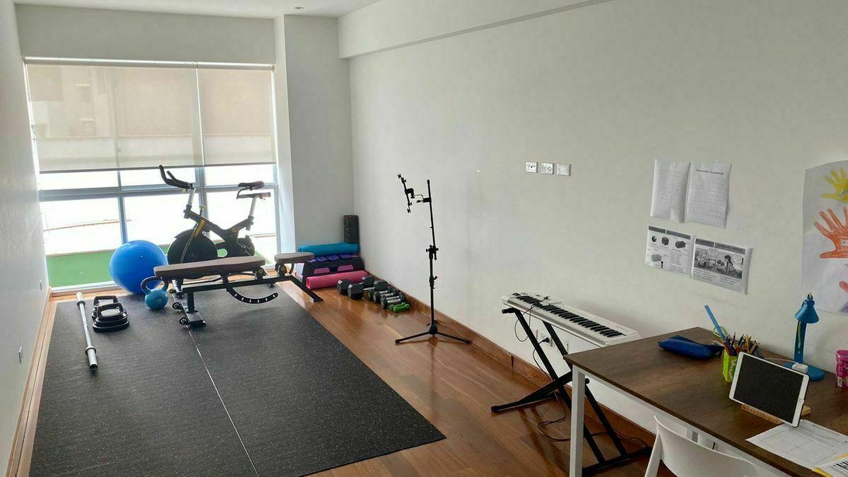 32 de 41: Sala de estar-gimnasio
