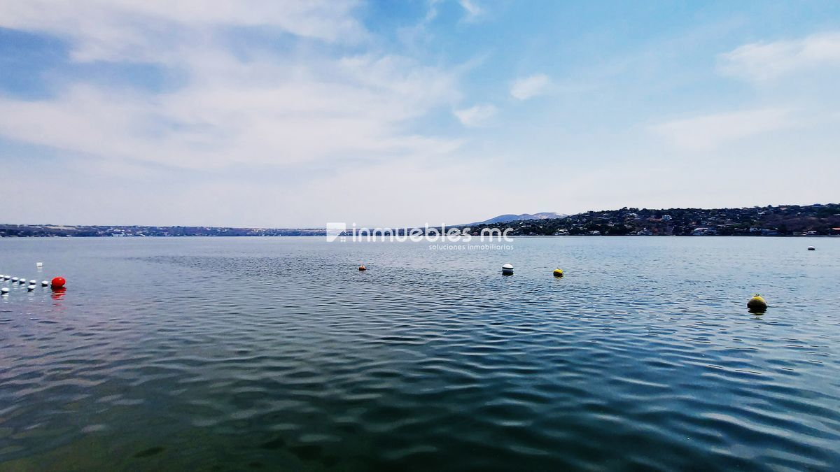 31 de 34: Acceso al lago