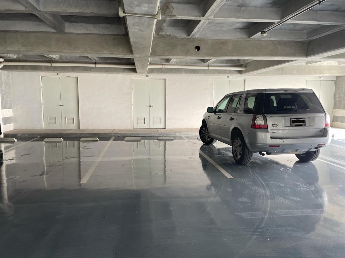 19 de 20: Tres cajones de estacionamiento