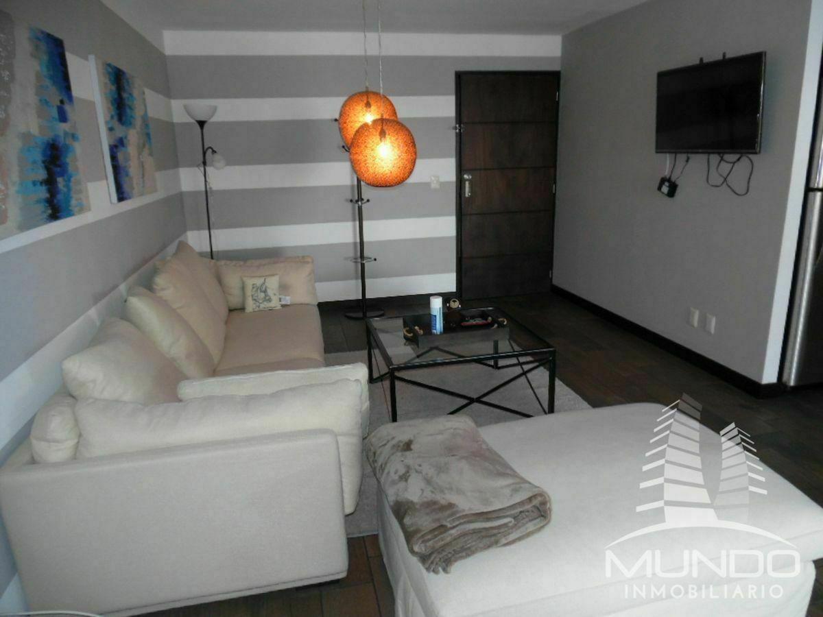 1 de 13: Moderna sala