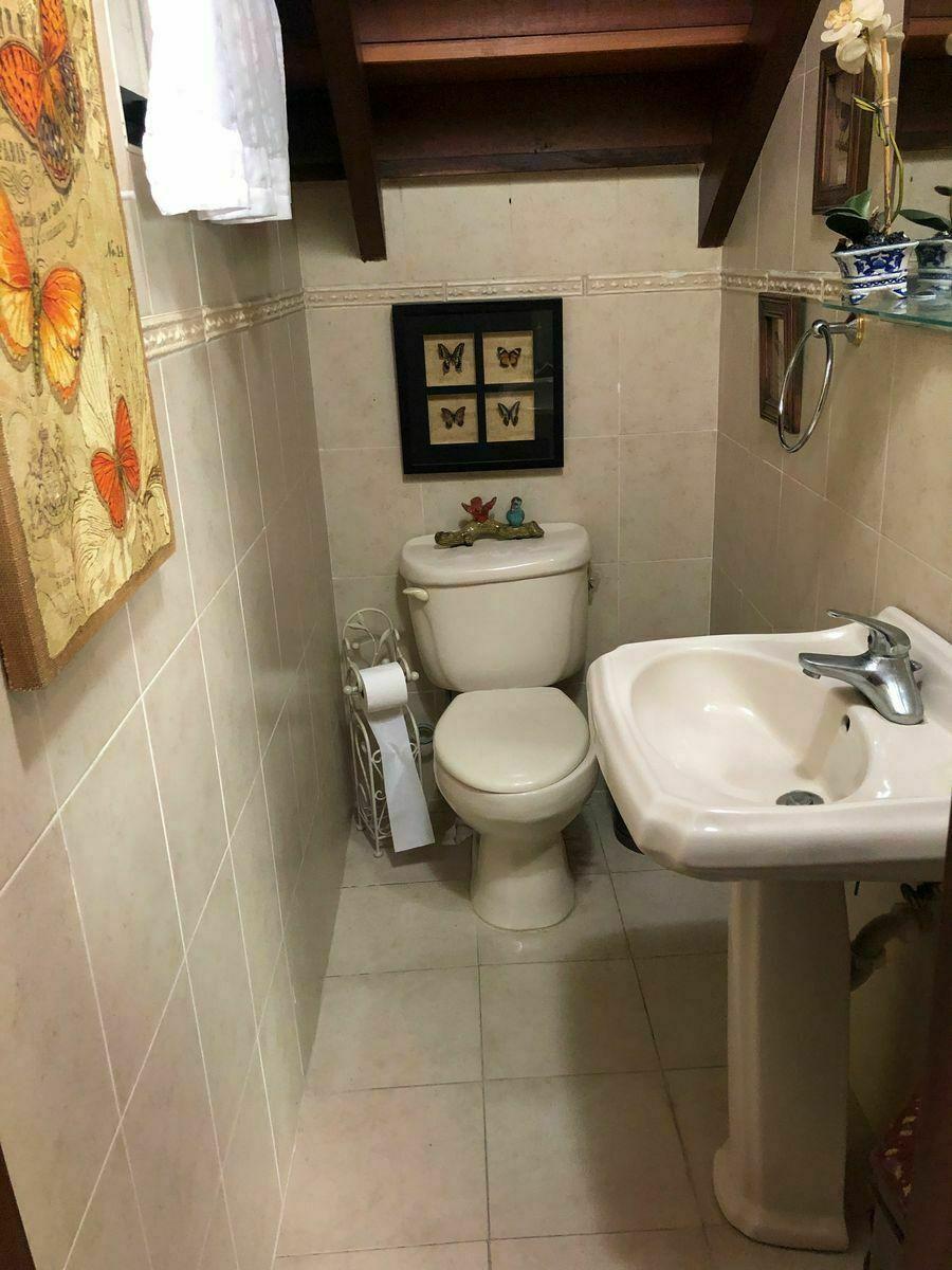 4 de 10: Baño de visitas