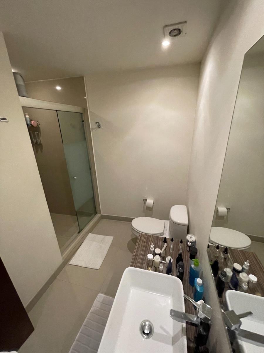 9 de 22: Baño principal