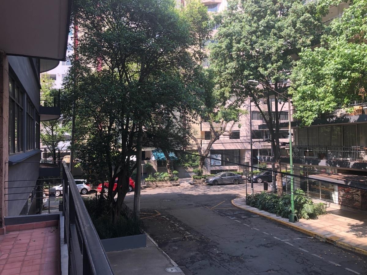 23 de 43: Vista del balcón