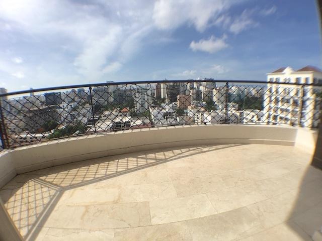 5 de 18: Balcón tipo terraza con vista despejada y Orientación Sur