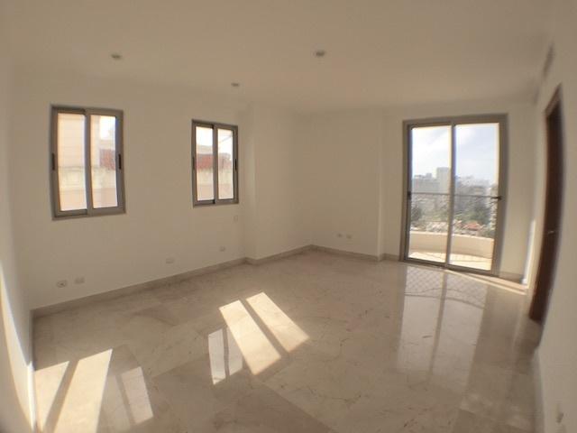 12 de 18: Habitaciones con ventilación cruzada y balcones integrados