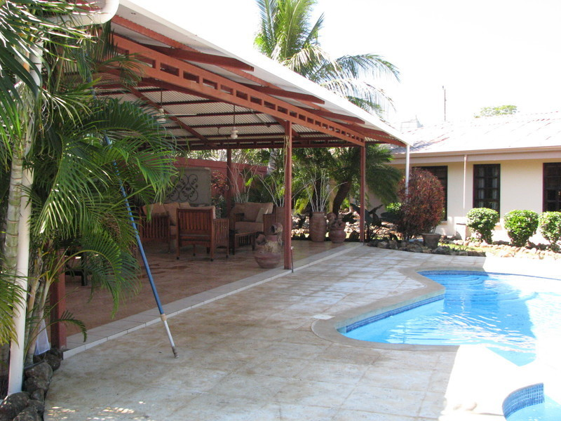 18 of 45: Rancho and Pool