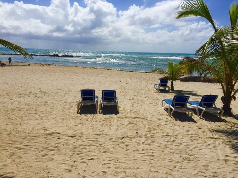 16 de 21: Vista a la Playa