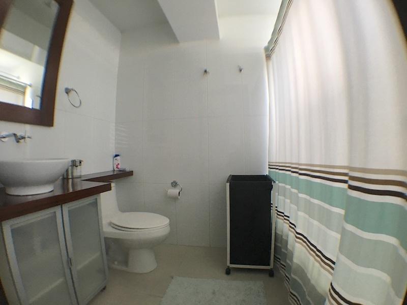 13 de 22: baño habitación secundaria
