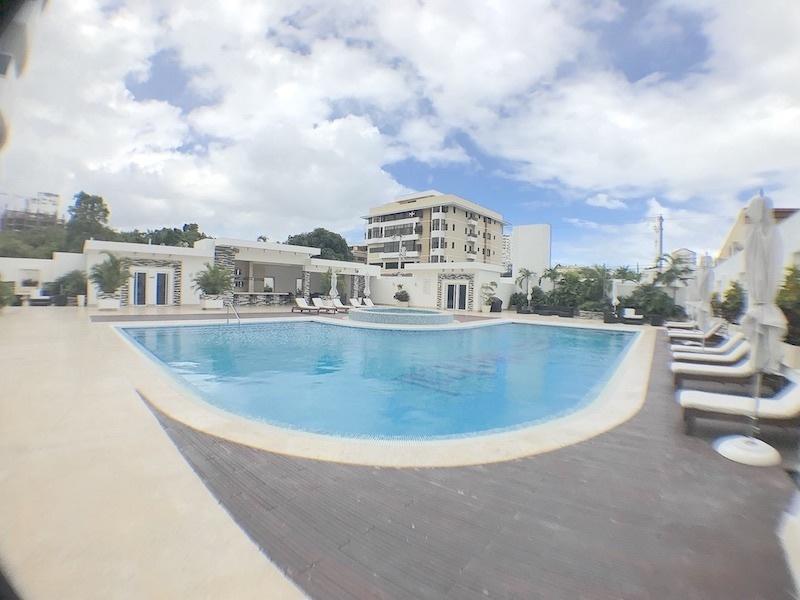 4 de 17: Completa área social y común con piscina, jacussy y gimnasio