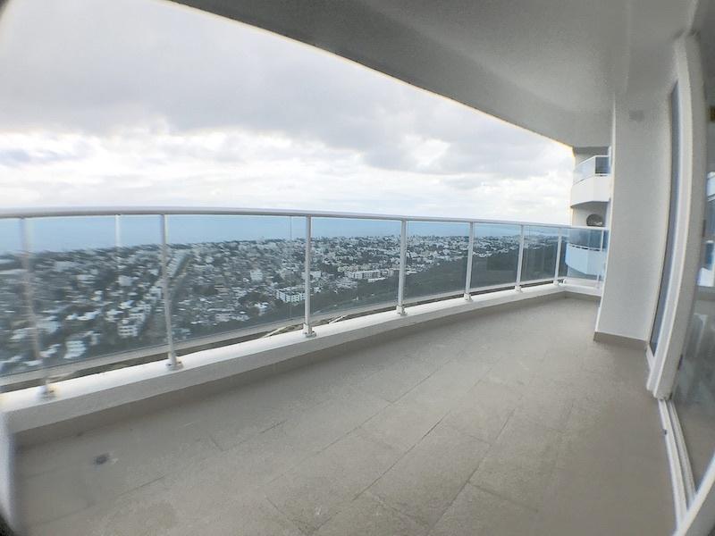 6 de 17: Balcón con vista Sur