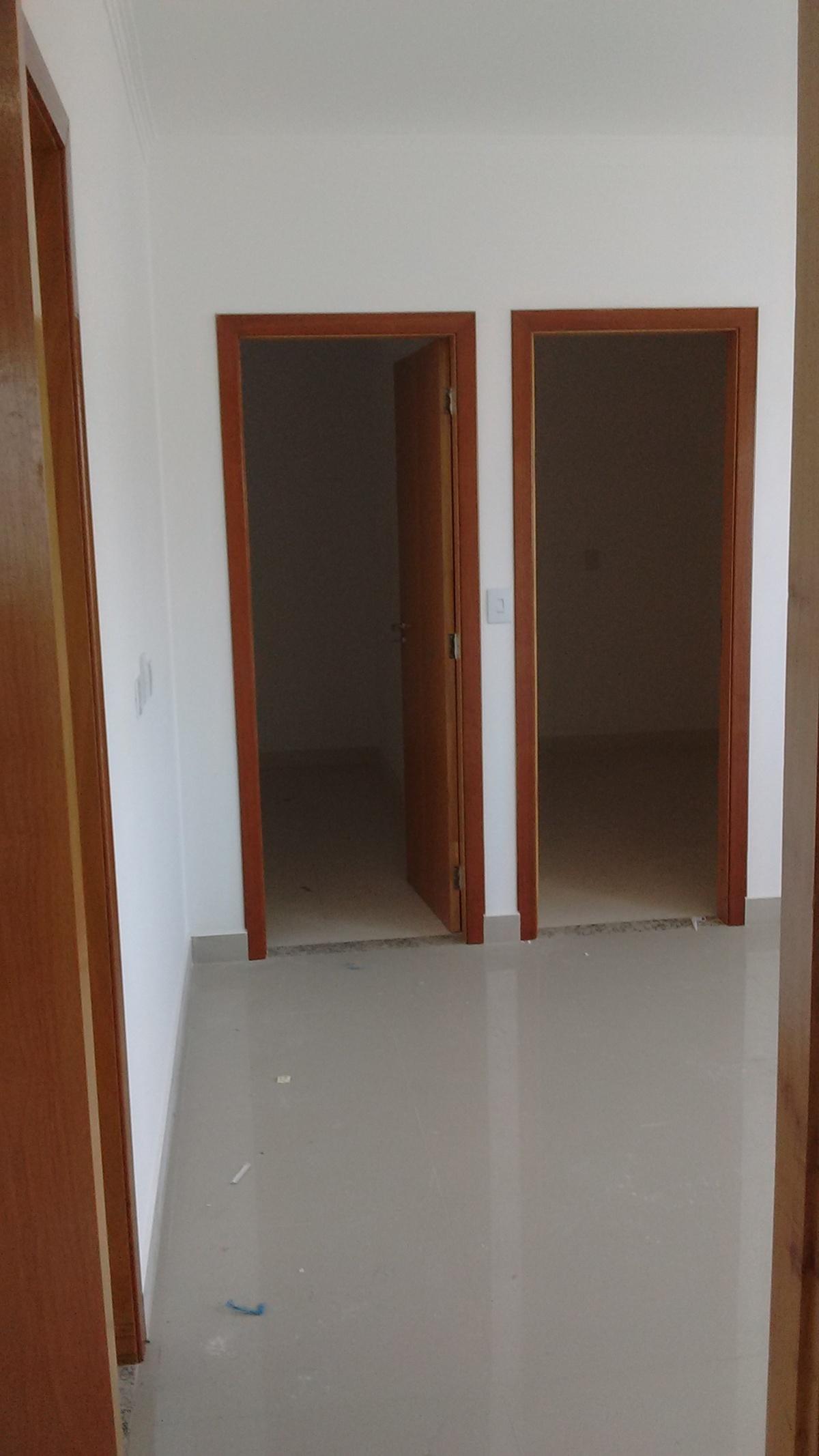 19 de 21: Banheiro a Esquerda, Dorm. no meio e Dormitório a Direita