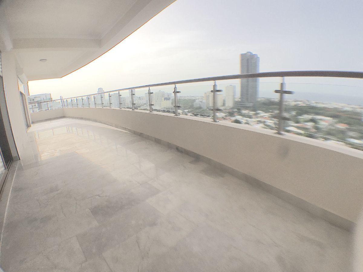1 de 15: Balcón tipo terraza con orientación SUR y Vista