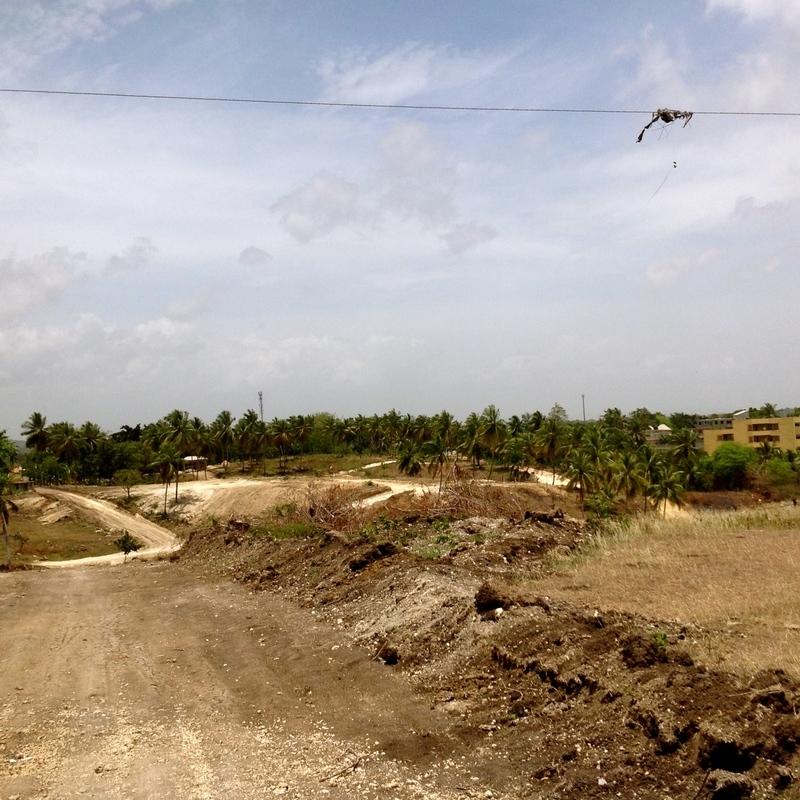 13 de 34: Desarrollo Urbanístico del Sector / Camino a la propiedad