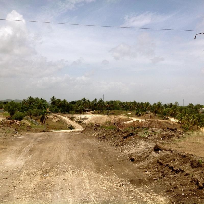 14 de 34: Desarrollo Urbanístico del Sector / Camino a la propiedad