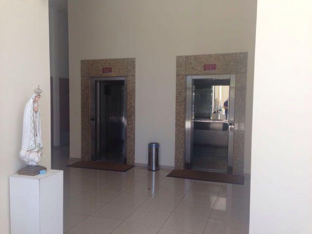 2 de 13: entrada elevadores