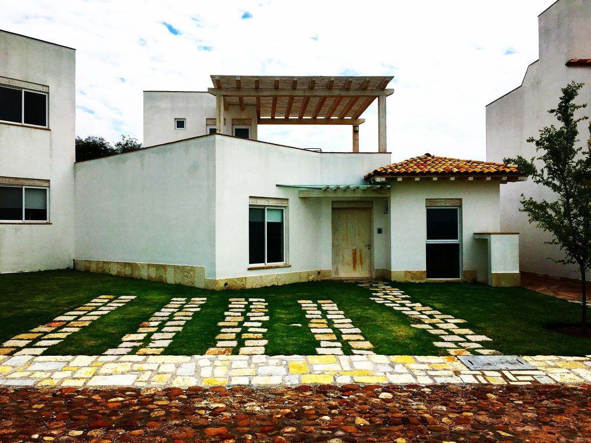 1 of 5: Villa Garambullo - Otomi Residencial