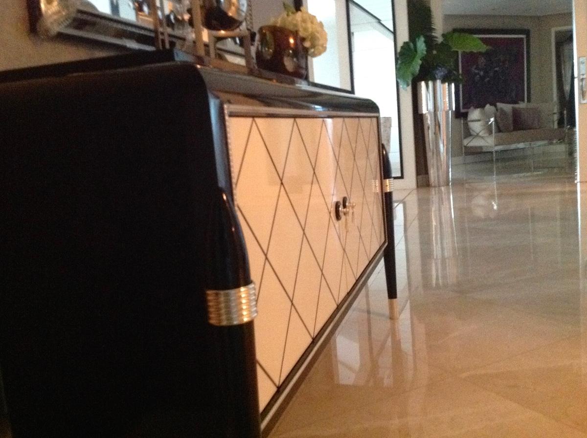 28 de 48: Vista de pisos de marmol