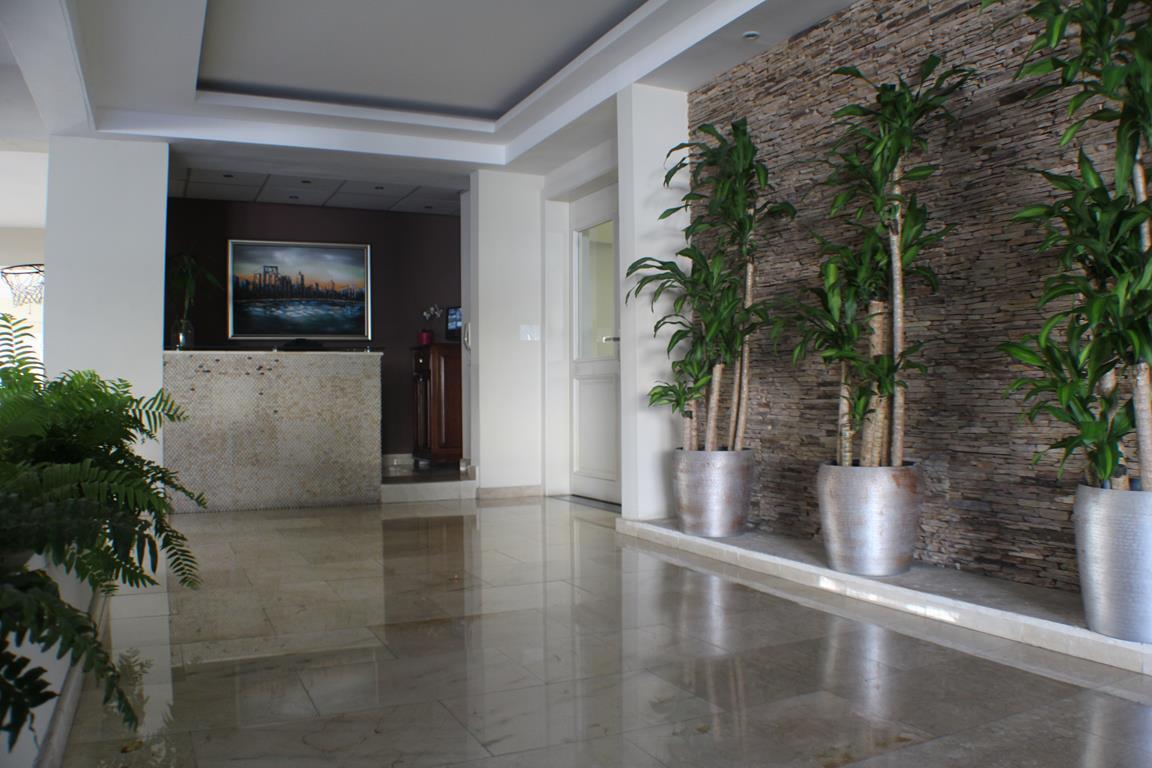 11 de 31: Lobby del Edificio