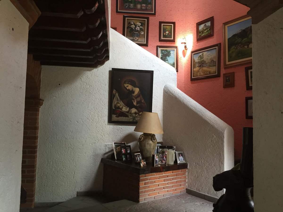 12 de 13: Escalera a 2 piso