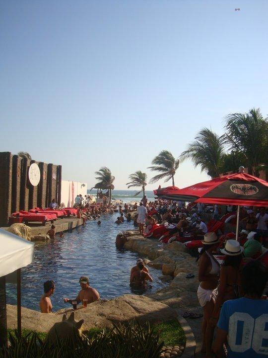 5 de 17: Club de Playa para adultos ( Se encuentra frente al edificio