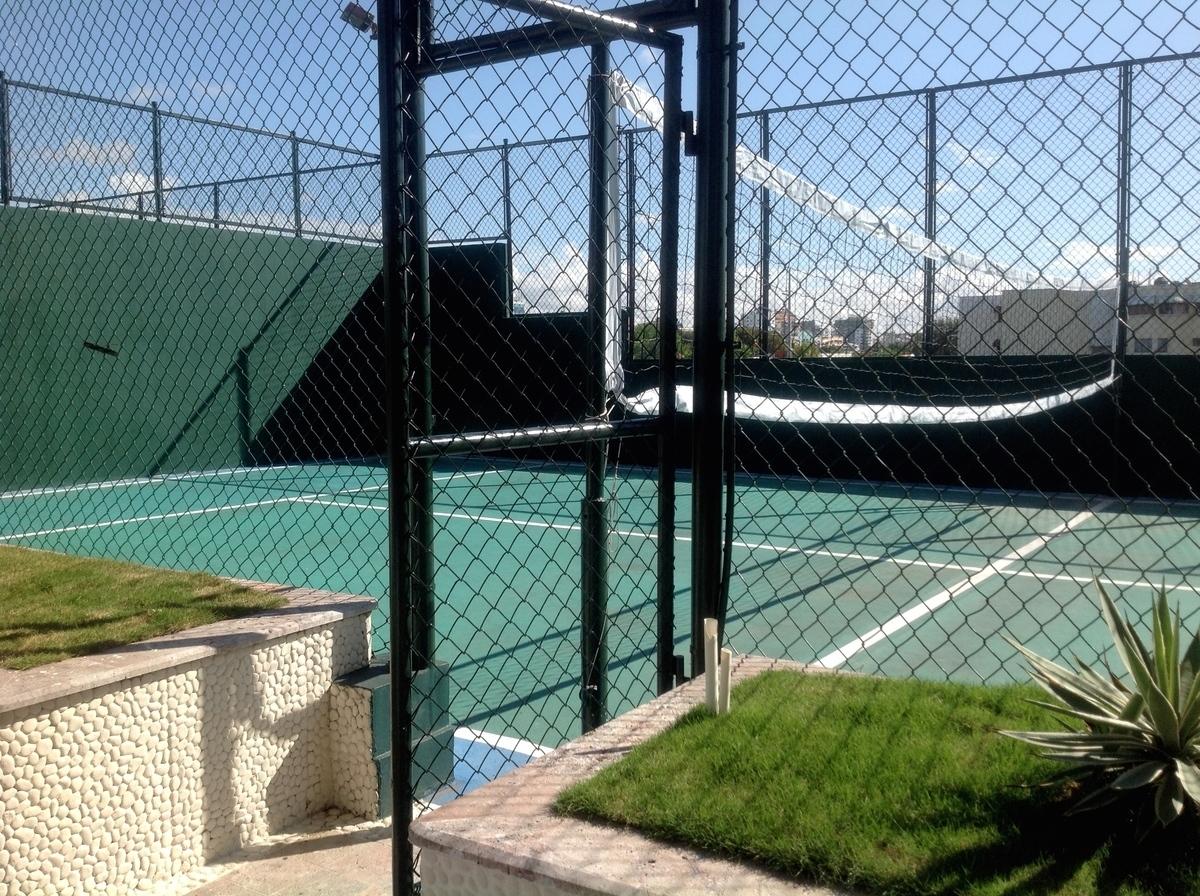 16 de 48: Cancha de Tennis