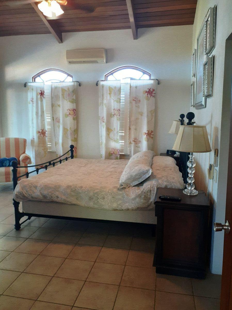 10 of 18: Master Bedroom