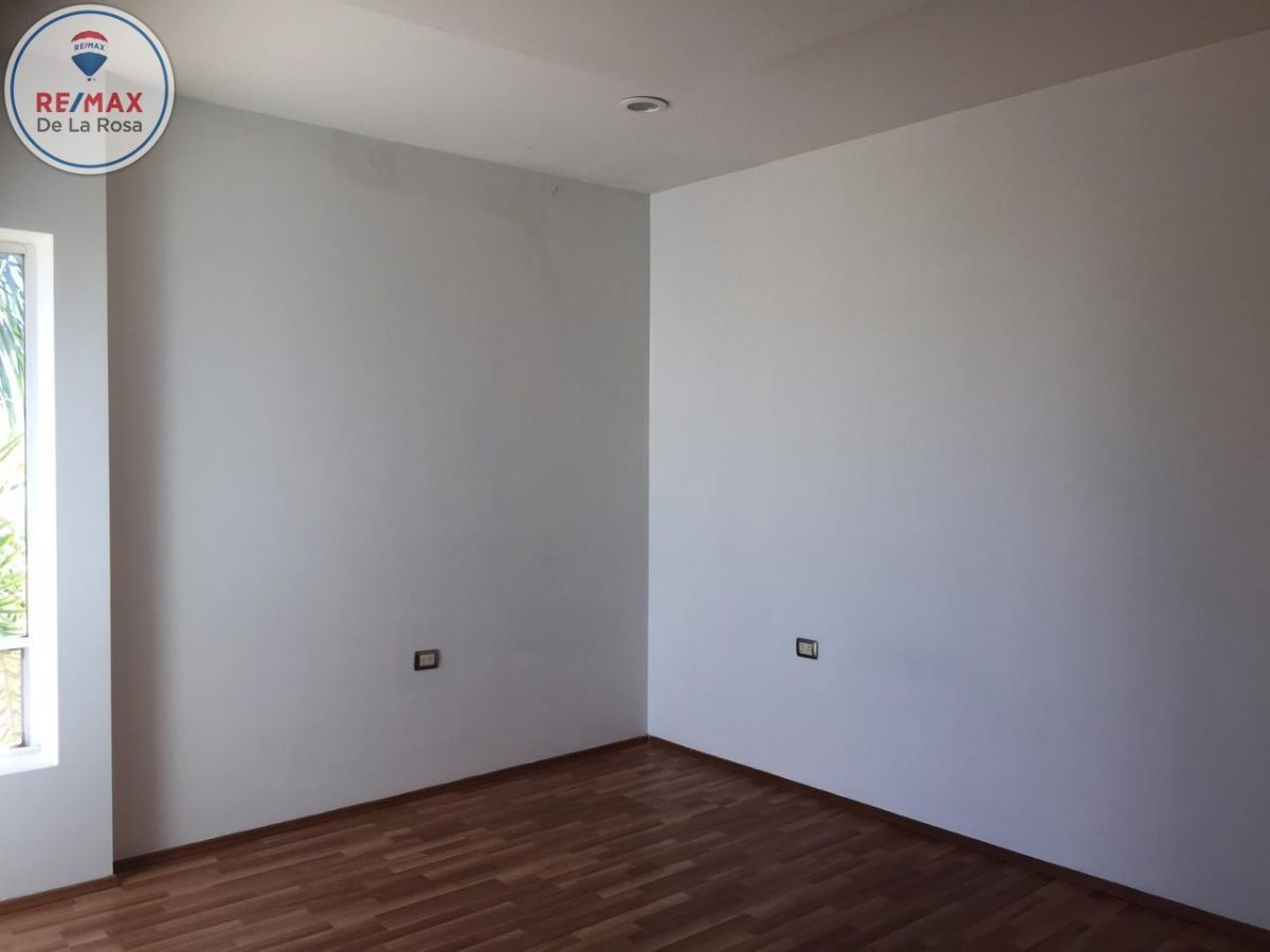 17 de 24: Segunda habitación planta alta