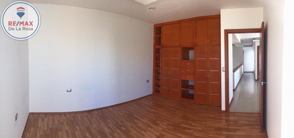 16 de 24: Closet en cada habitación