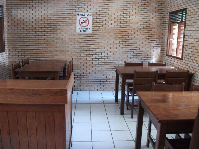 9 de 24: Sala de café da manhã