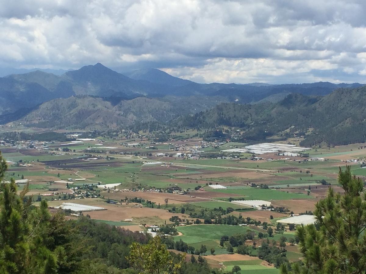 1 de 24: Vista al Valle