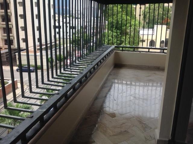 3 de 12: Balcon Exterior