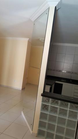 3 de 13: vista sala com a cozinha