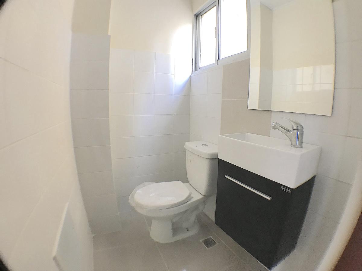 2 de 3: Baño integrado en cada local