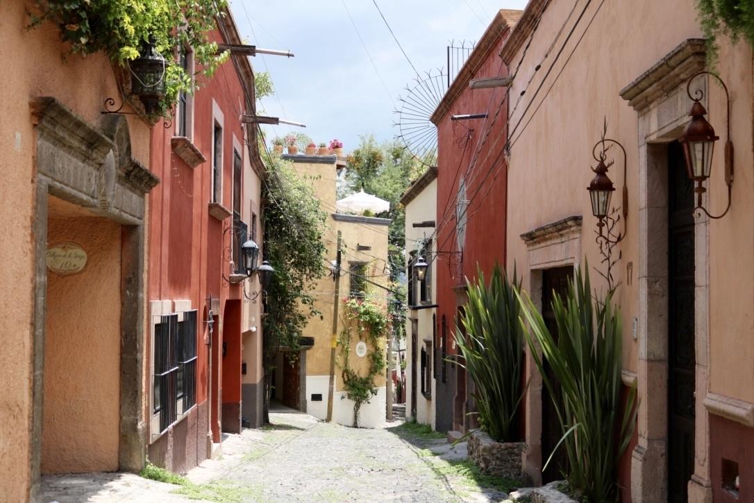5 of 5: Vecindario 2