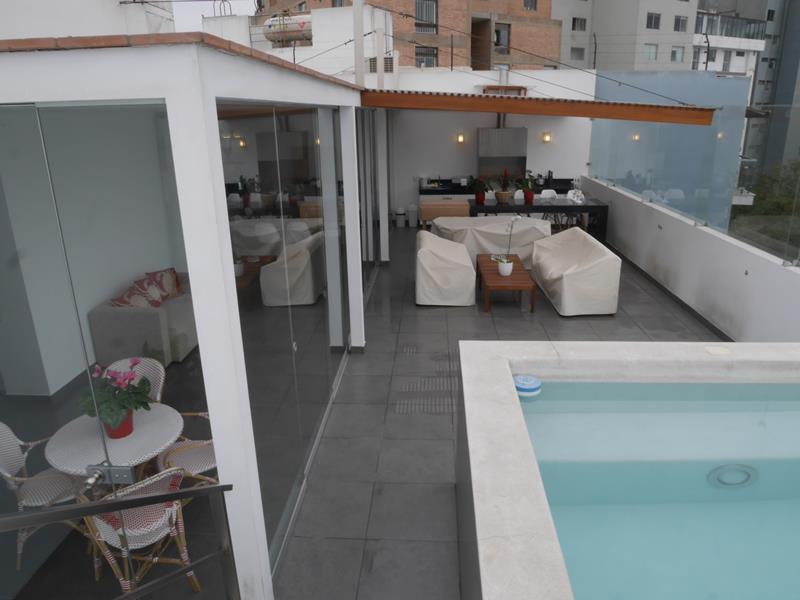 36 de 39: Hermosa Terraza con BBQ en Área Común último piso con piscin