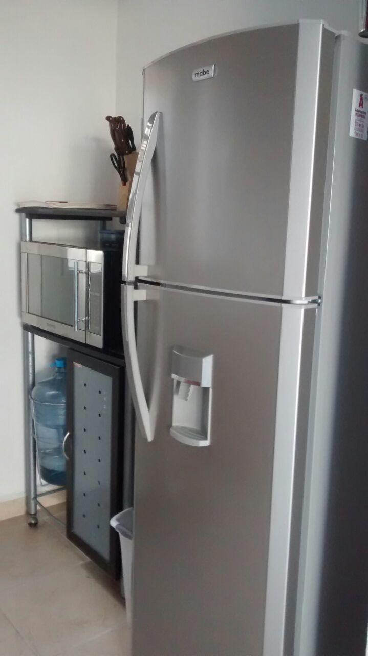 3 de 21: Refrigerador, Horno