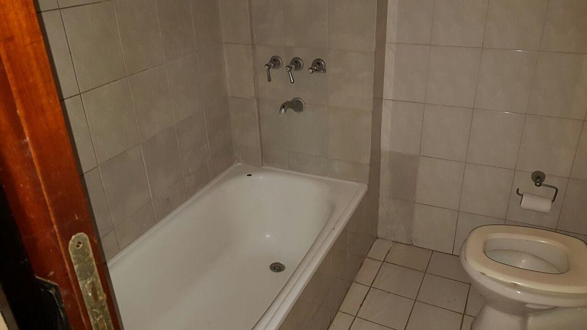 31 de 32: Baño casa del fondo