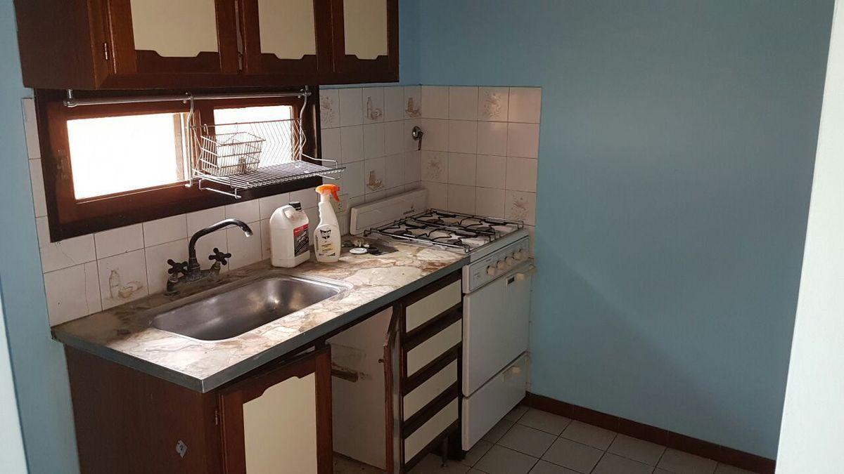32 de 32: Cocina casa del fondo