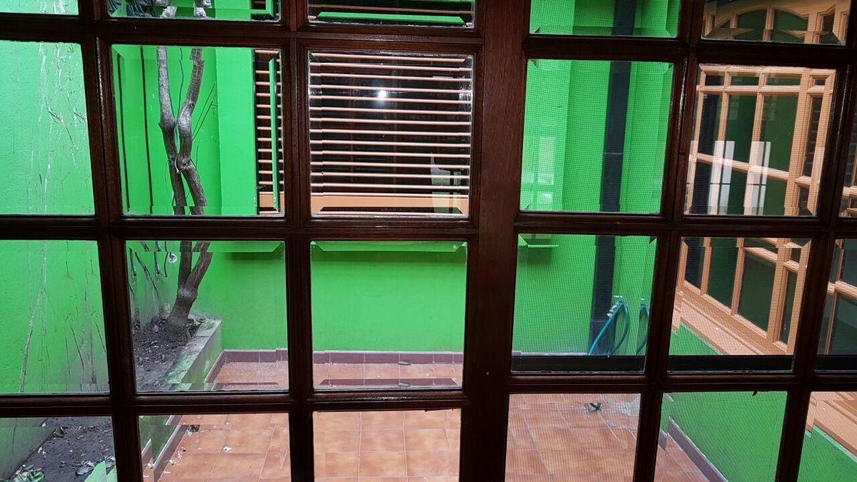 28 de 32: patio interno Casa ppal