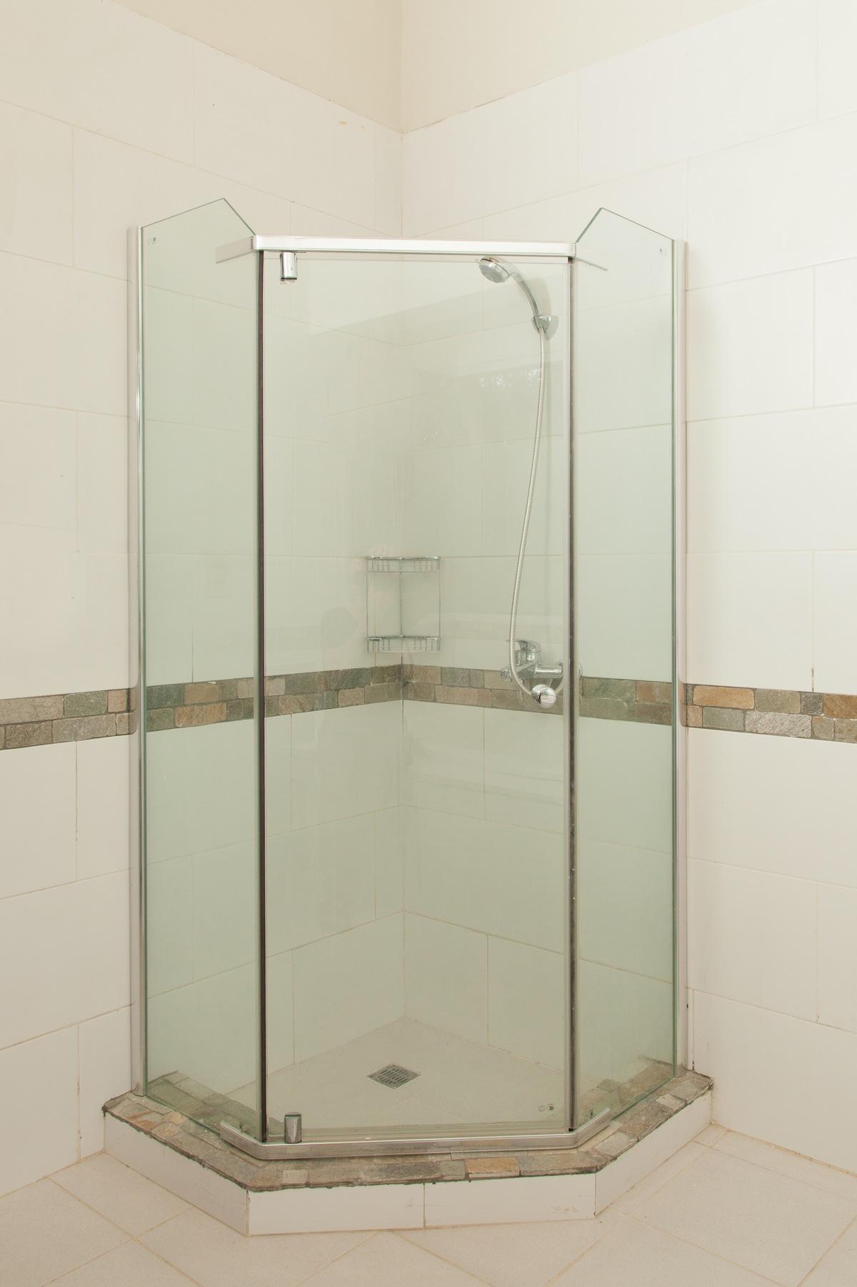 13 de 31: Ducha - Baño principal