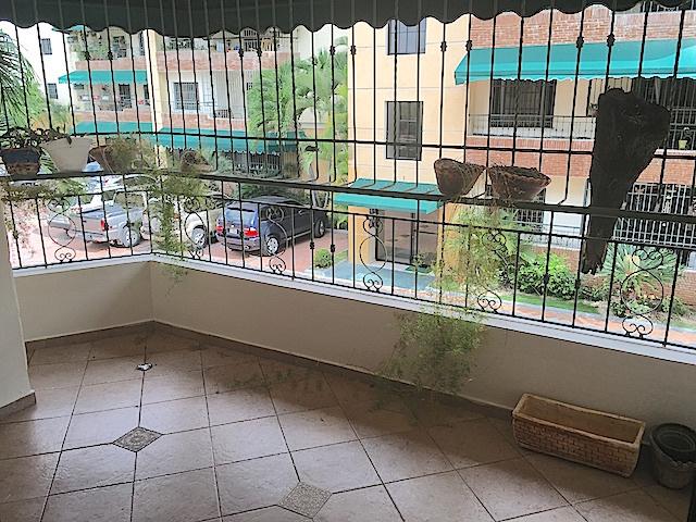 2 de 12: Balcón amplio